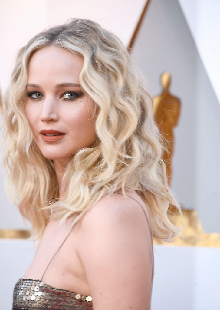 jennifer lawerence WhatsApp Image 2018-03-04 at 21.30.56