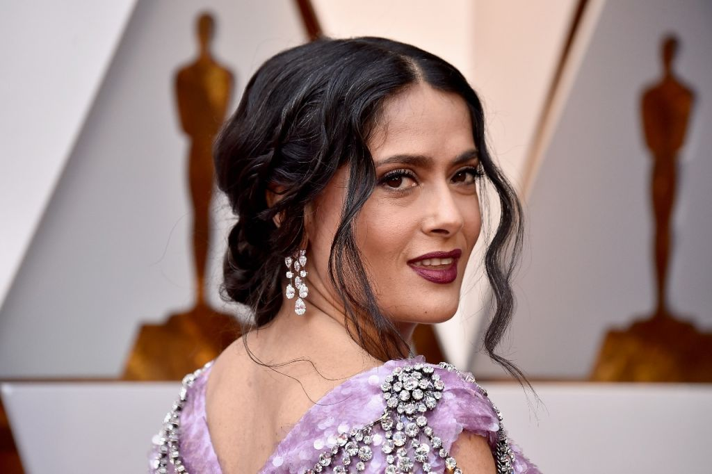 Salma Hayek WhatsApp Image 2018-03-04 at 20.45.27
