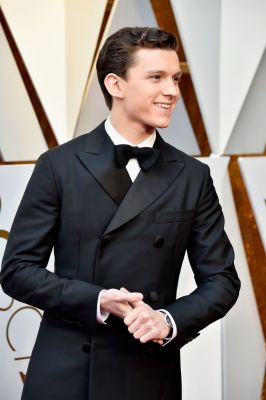Tom Holland - 927231268