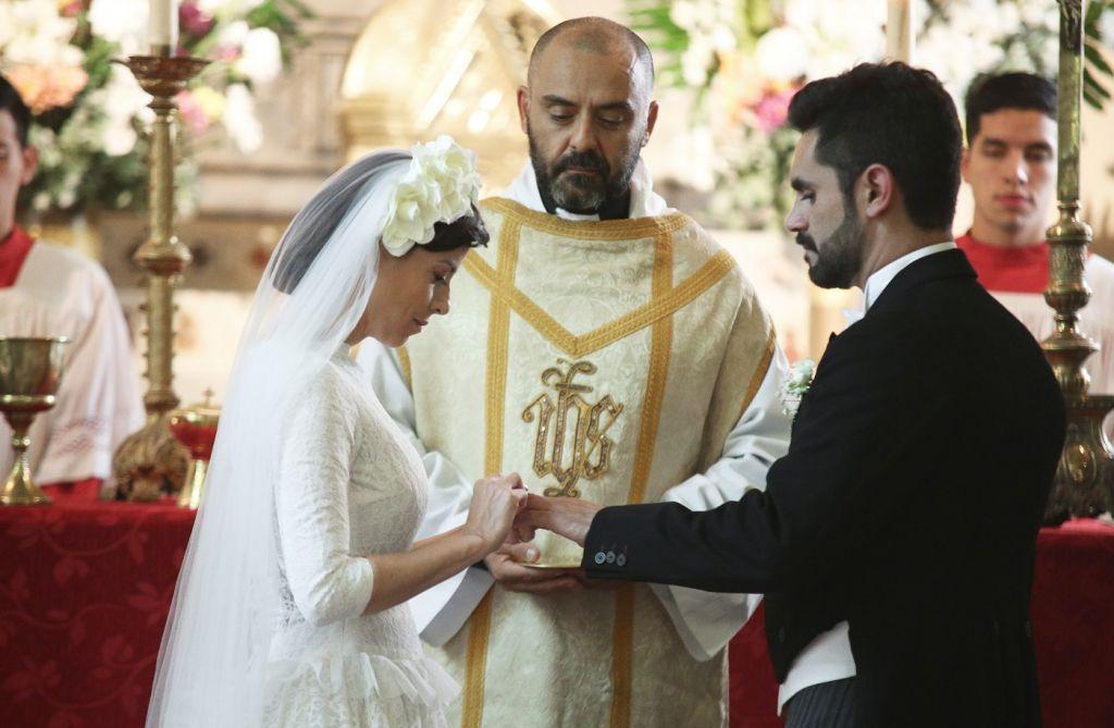 Aldo (Heredia) y Alicia (Funes) se casan, con Raquel (Suárez) como testigo obligada de la escena – – ARGENTINA, TIERRA DE AMOR Y VENGANZA -Este lunes 6 de Mayo, 21.30 Hs