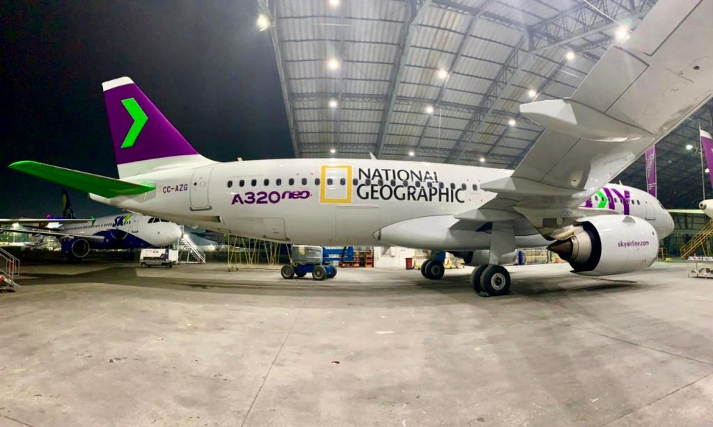 Avión de Sky y National Geographic en Chile (2)