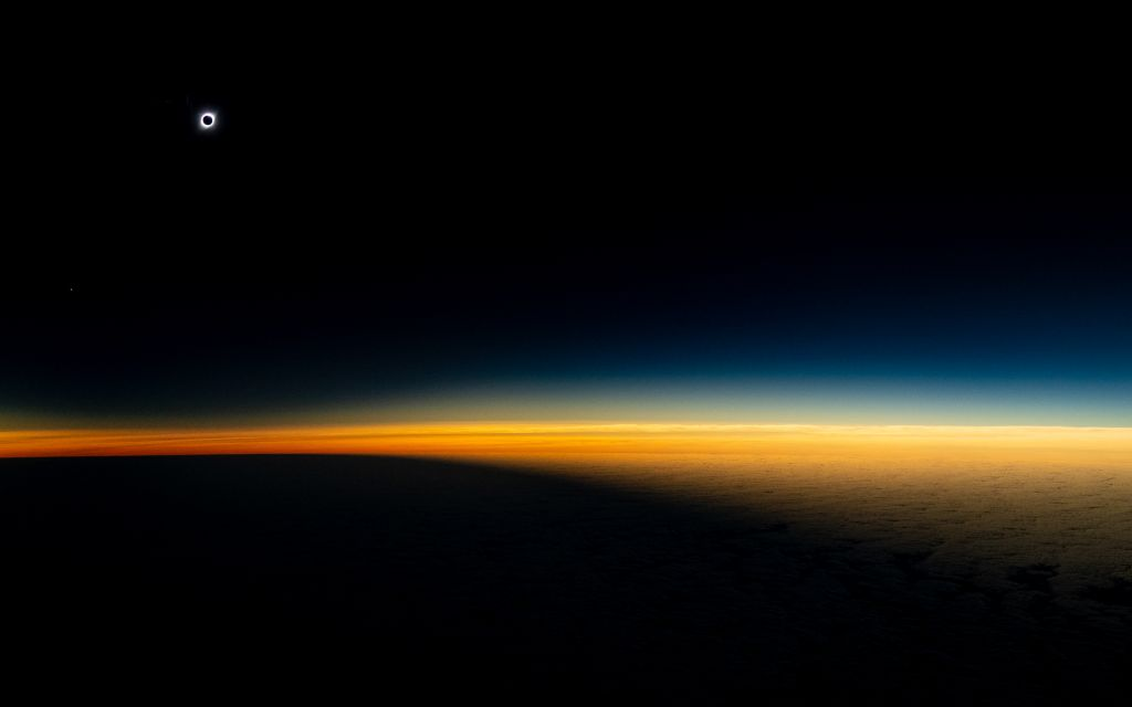Eclipse desde un avión en Chile, Luis Urzúa para National Geographic (1)