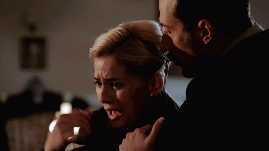 Raquel amenazada por Salaberry (1)